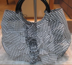 scout by bungalow black and white handbag